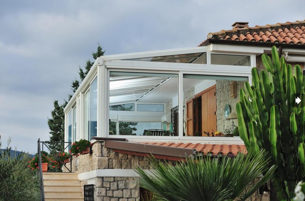Quanto costa una veranda sunroom tender omnia - Verande giardino d inverno ...