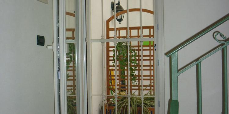 Infissi Finstral, porta blindata, tapparelle e grate erreci
